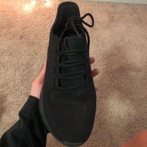 Adidas black tennis shoes